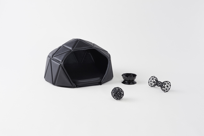 Head or Tails Dog Accessories Collection by Nendo