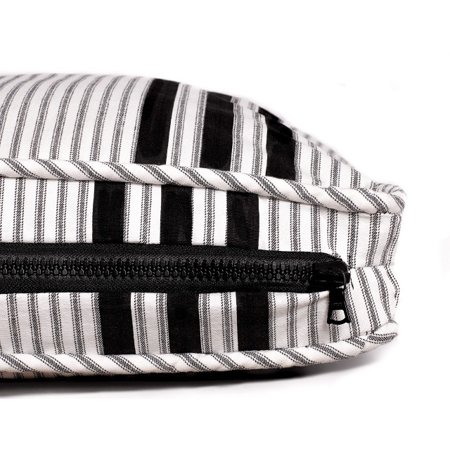 Black & White Dog Bed Collection from Mr. Dog