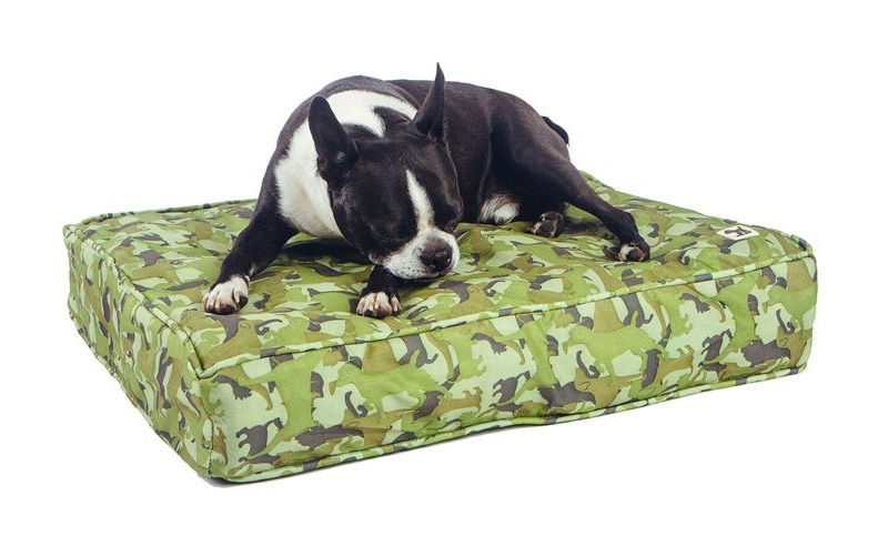 Molly-Mutt-outdoor-dog-beds-3