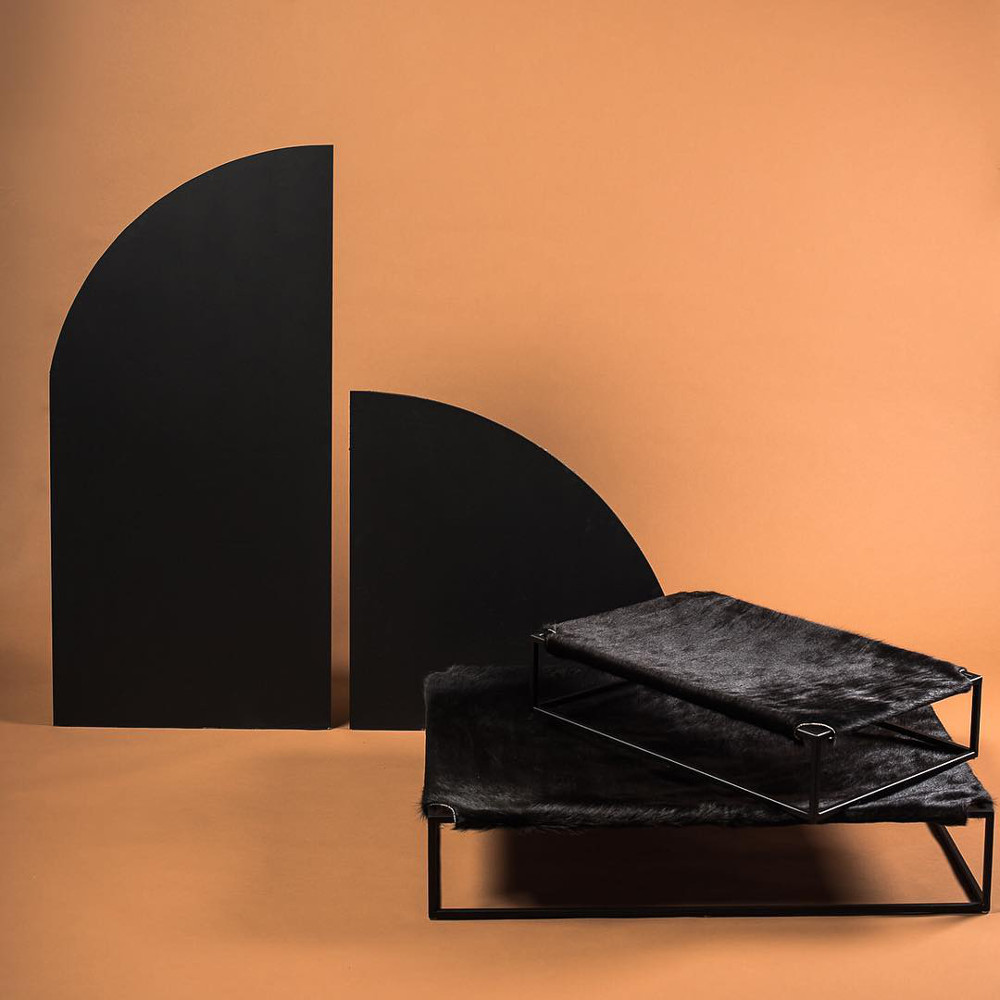 Hide Leather Sling Beds from Arvin Grex
