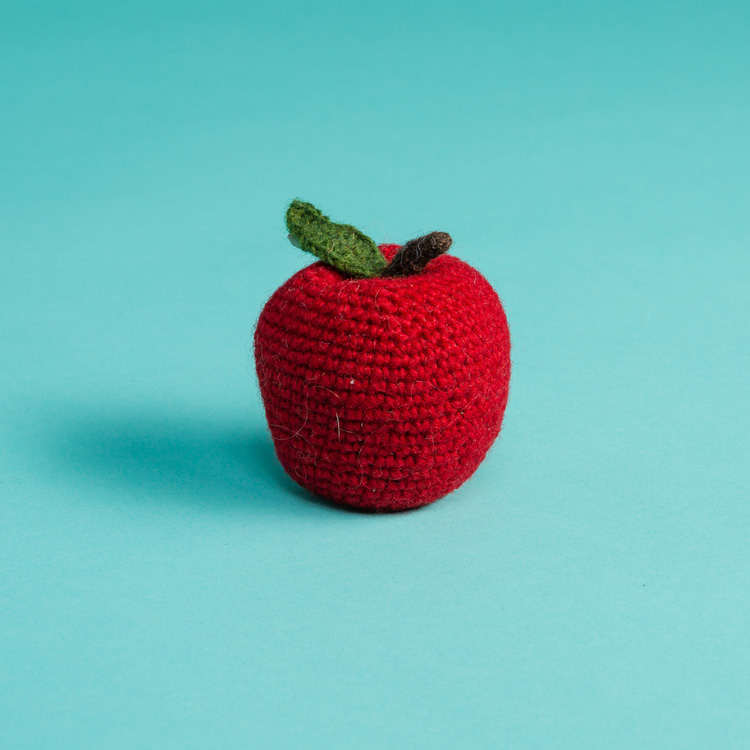 ware-of-the-dog-knit-dog-toys-apple