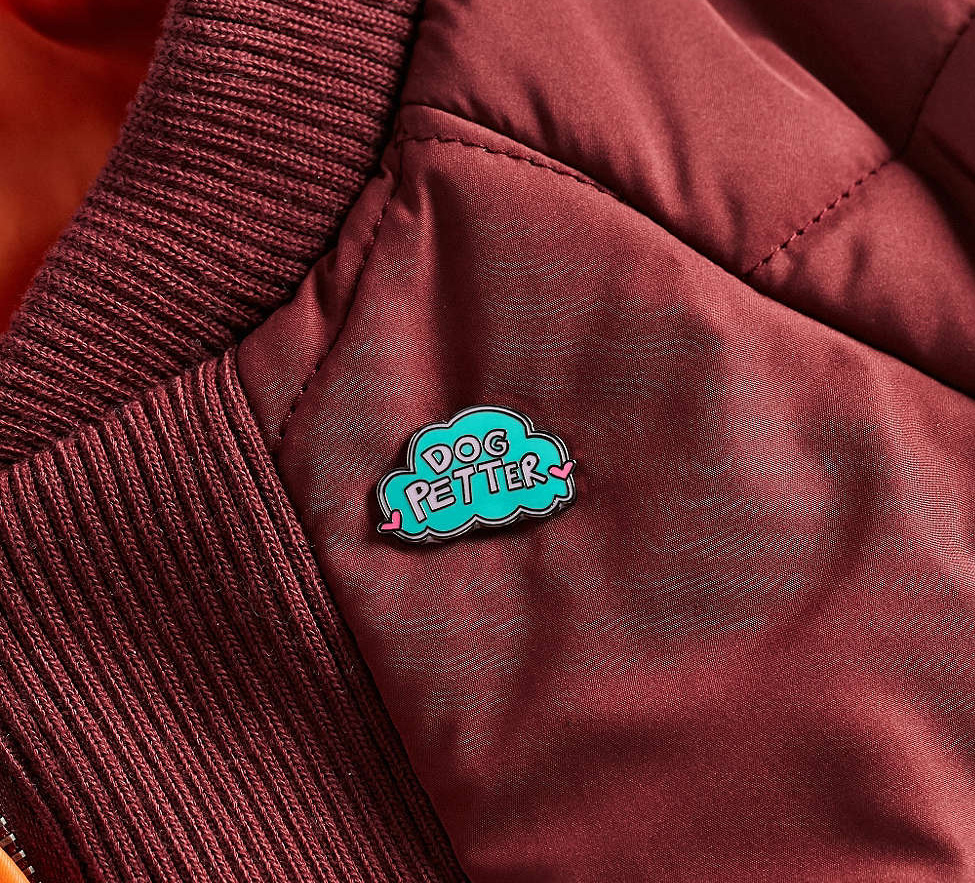 Annie-Free-Urban-Outfitters-Dog-Petter-pin-2