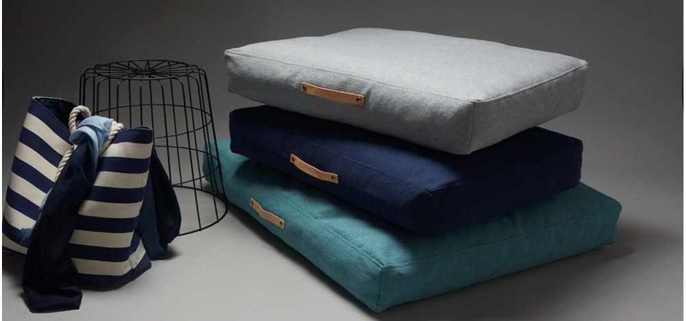 Modern Dog Beds and Blankets from Labbvenn