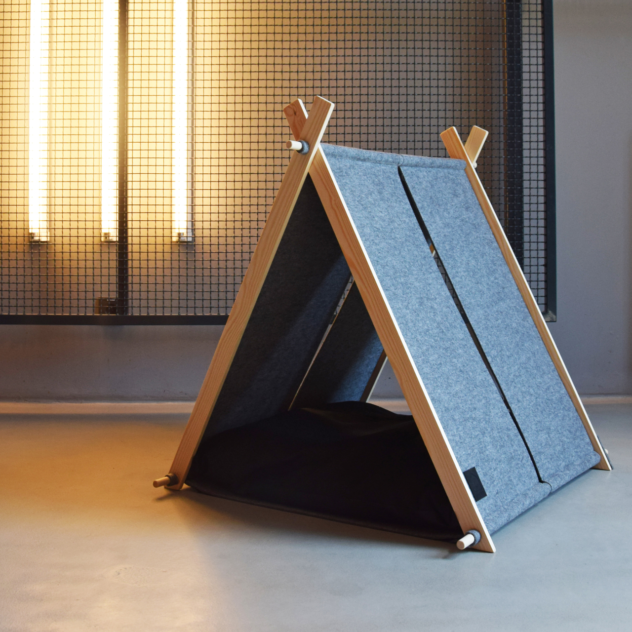 Modern Dog Tent from HELLO PETS