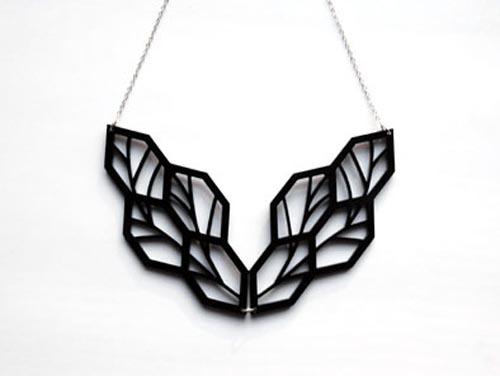 leaf-necklace-brevity