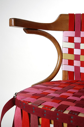 Strap bands chair - Designer Yaha Ouled-Moussa