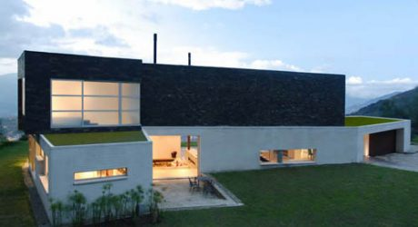 Sereno's House in Colombia by Jaime Rendon Architects