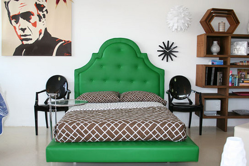 Hollywood Bed