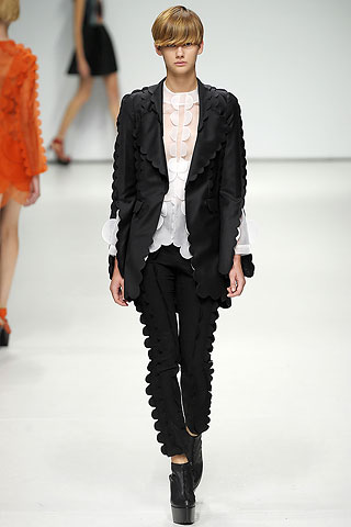 Christopher Kane   Spring 09 in style fashion  Category