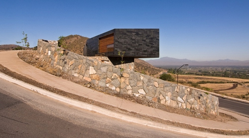 Binimelis-Barahona House in Chile by Polidura + Talhouk Architects