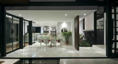 MC1 House in Costa Rica by Juan Robles