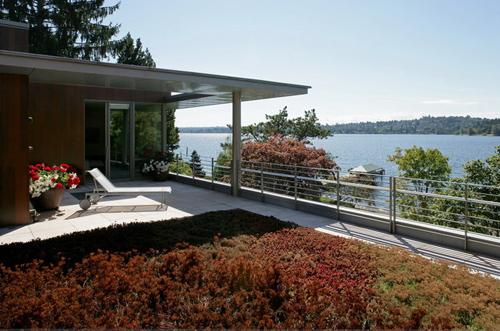 Lake Washington Residence, Seattle, by OSKAA