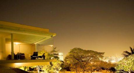 Flamboyant's House in Brazil by Marcio Kogan