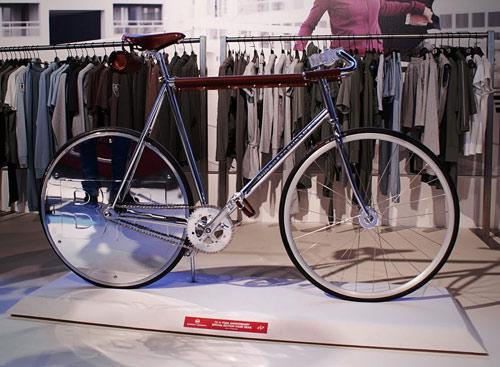 Bike by Studio Raar