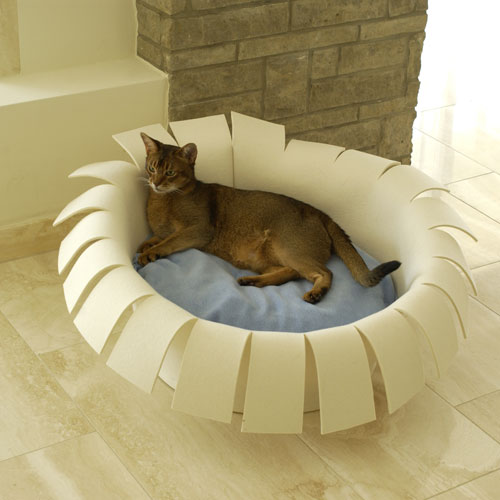 Crown Cat Bed