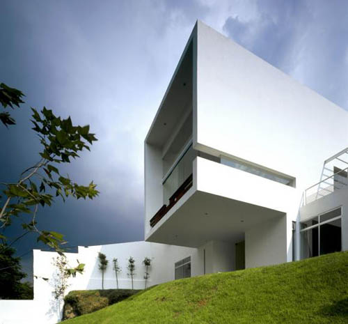 Cube House in Mexico by Agraz Arquitectos