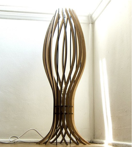 alienology-spore-floor-lamp