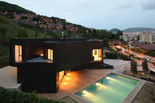 Casa Q in Spain by Asensio Mah and J.M. Aguirre Aldaz