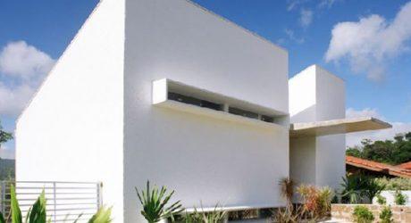 Casa Martins Siqueira in Brazil by Frederico Zanelato Architeto