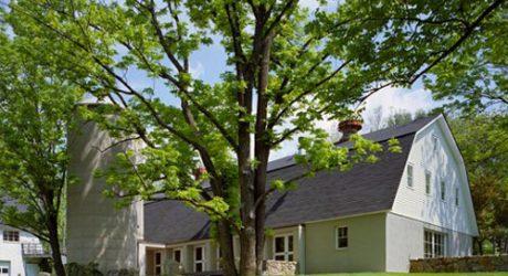 Modern Barn in Connecticut by Specht Harpman