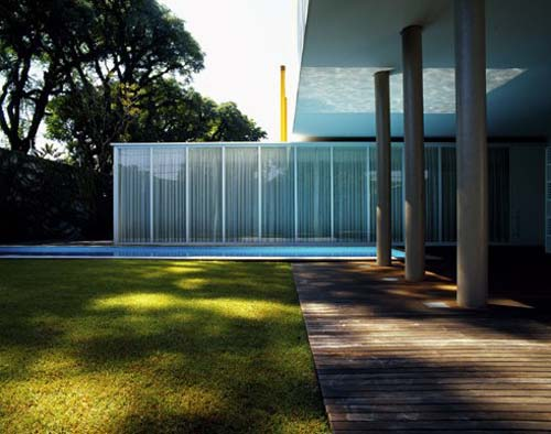 Pinheiros House in Brazil by Isay Weinfeld