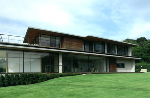 House with oceanic views-1