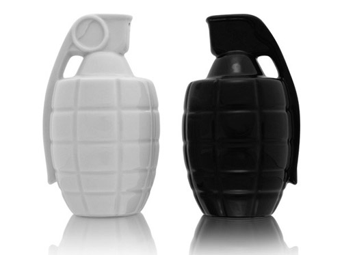 Modern Salt and Pepper Shakers in main home furnishings  Category