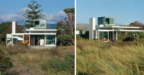 Manly Street Beach House in New Zealand by Parsonson Architects