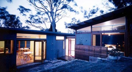 Avalon House in Australia by Fox Johnston Architects