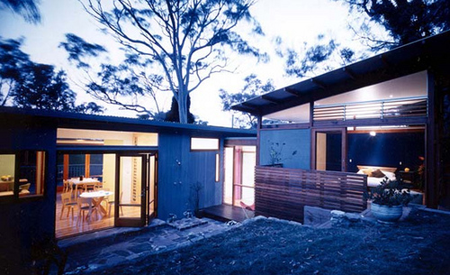 Avalon House in Australia by Fox Johnston Architects