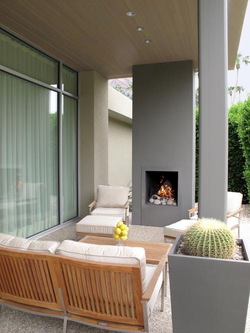 Crystal Loop Residence in California by Dennis Gibbens