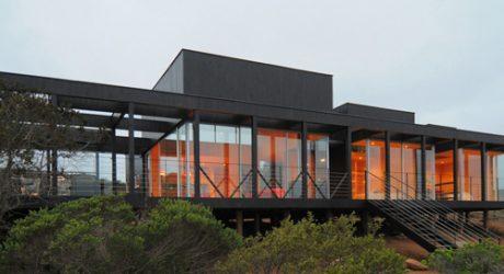 Rodríguez Harvey House by Nicolás Loi Architects
