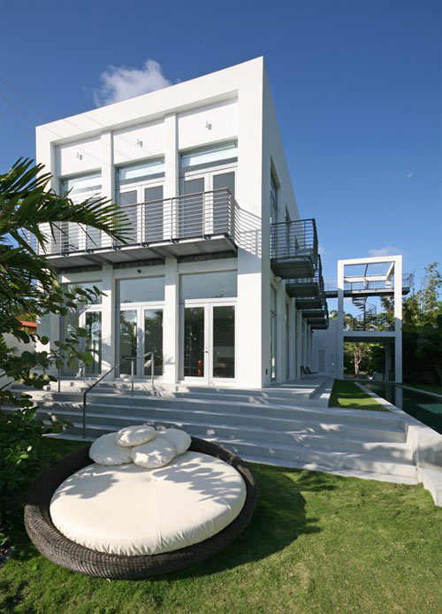 The Belvedere House in Florida by Shulman + Associates