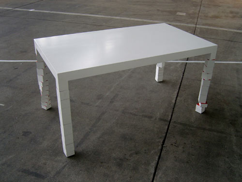 Pixa 1 Table by Hellauf
