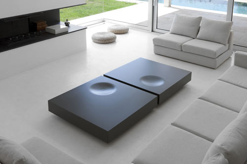 Plat and Tray Tables by Estudio Arola