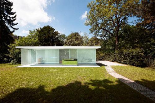 Bauhaumer-poolhaus-2
