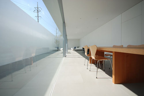 Minimalist House in Japan by Shinichi Ogawa & Associates