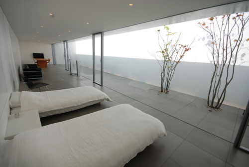 Minimalist House in Japan by Shinichi Ogawa & Associates Design Milk