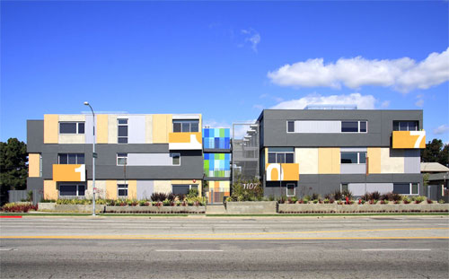 Venice Superior Apartments in California by Kanner Architects