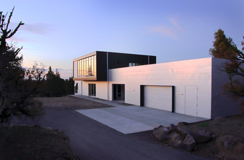 Whitten House in Oregon by PIQUE LLC
