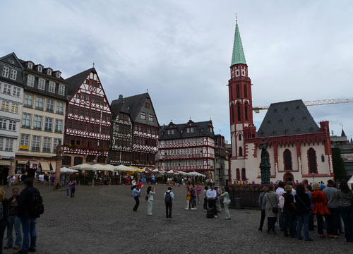 frankfurt-medieval-arch
