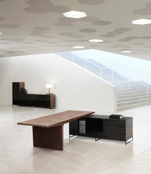 level-desk-2