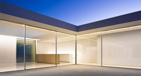 Atrium House in Spain by Fran Silvestre Arquitectos