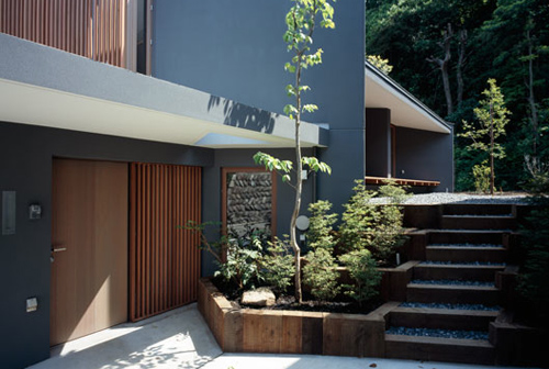 Oblique House B in Japan by Cell Space Architects