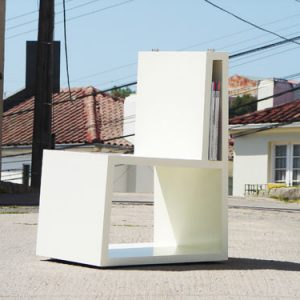 Bi Chair by Elemento Diseño