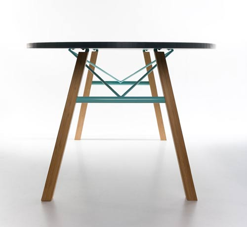 suspacious-join-dining-table-1