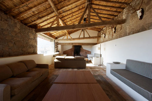Dwelling in Avila, Spain by A cero in main architecture  Category