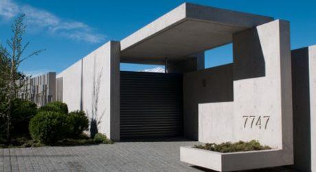 Zaror House in Chile by Jaime Bendersky Arquitectos
