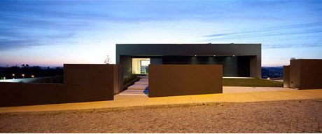 House in Guimarães Portugal by Sequeira Arquitectos Associados Lda