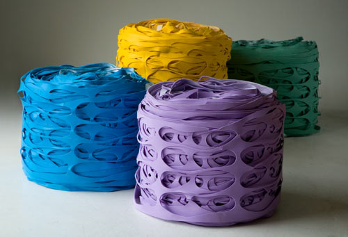 latex-roll-pouf-1